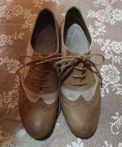Schuhe färben